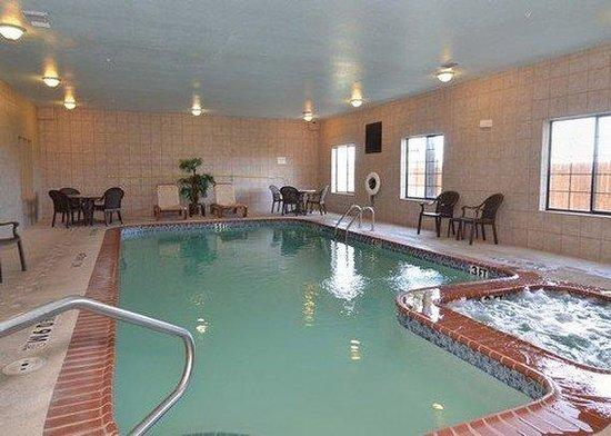 Sleep Inn & Suites near Seaworld: Pool