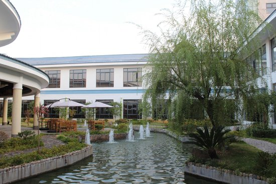 BEST WESTERN Jooch Resort Hotel: Wuyishan - Jooch Resort Hotel Grounds
