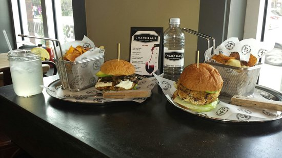 Charcoals NOLA: Turkey burger and veggie burger!