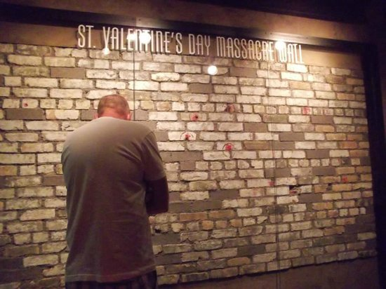 The Real St Valentines Day Massacre Wall Foto Van The Mob Museum