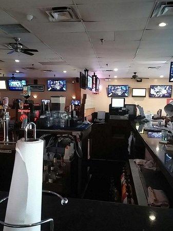 Landlubbers Raw Bar & Grill