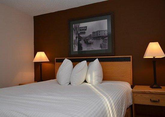 Riviera City Centre Inn : Queen Room