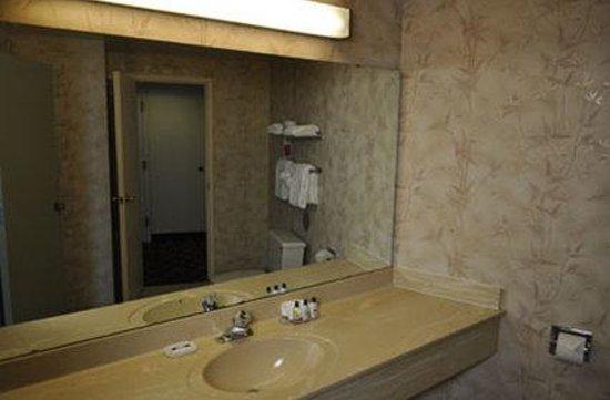 Retlaw Plaza: Guest Room
