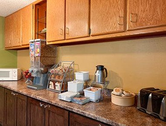 Travelodge Loveland/Fort Collins Area : Breakfast Area