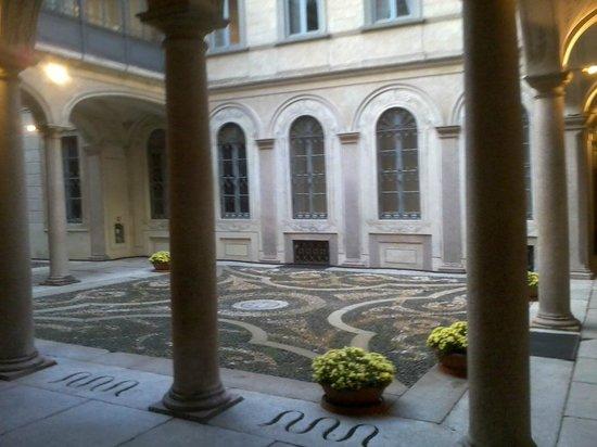 Milano palazzo morando picture of palazzo morando for Palazzo morando