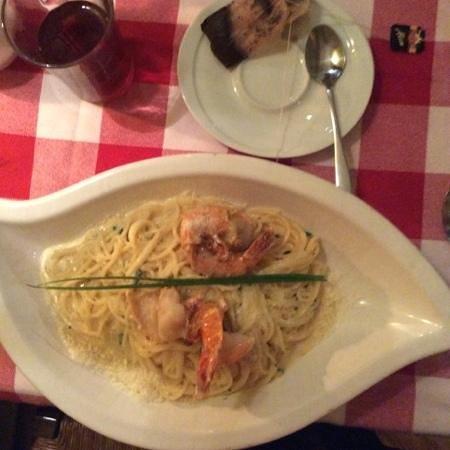 Peperoncino: паста с креветками очень вкусно креветки очень хороши