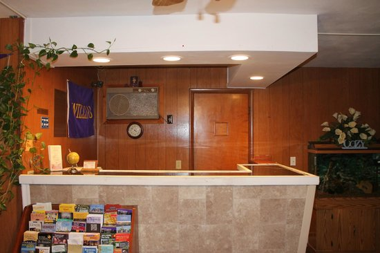 Cozy Corner Motel : Front Desk