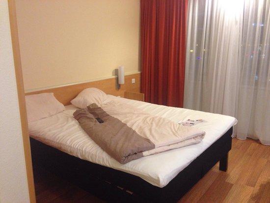 Ibis Graz: Hotelbett