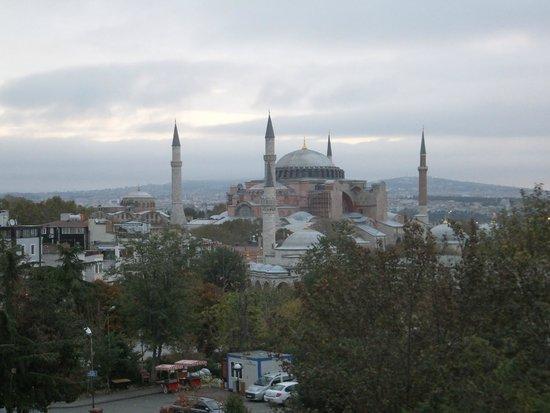 Sevila Hotel: Morning view of Aya Sofiya