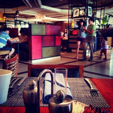 Tides at Shangri-La's Mactan Resort & Spa: Love it!