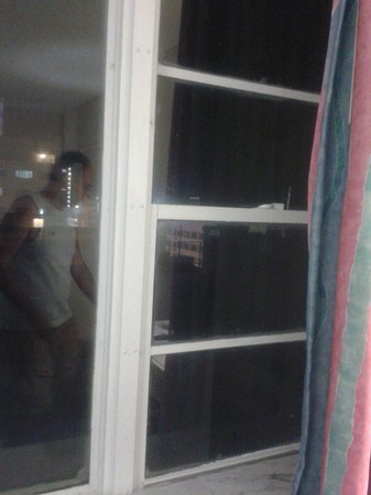 Finestre che non si aprono picture of lexington hotel - Si aprono finestre pubblicitarie ...