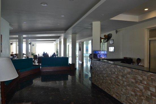 Hikkaduwa Beach Hotel: Lobby2