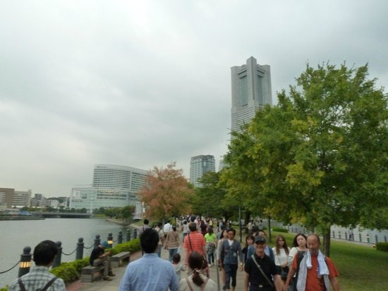 Kishamichi Promenade : nice stroll in 21 degree celcius 4th October 2014, about 2pm