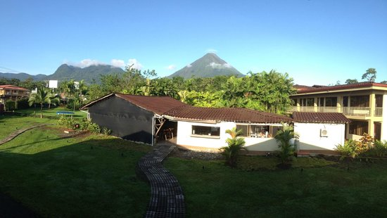 Arenal Backpackers Resort : Morning View