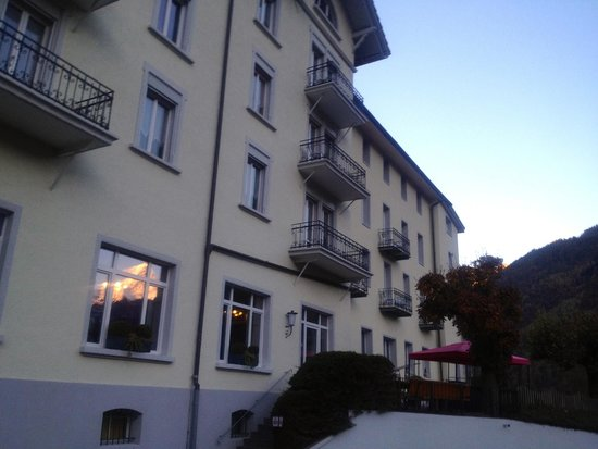 Hotel Schonbuhl : front of the lodge