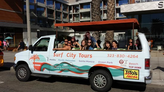 Santa Monica, CA: Happy tours make happy tourist. We are happy!!!