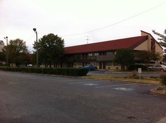 Red Roof Inn Florence - Civic Center: Outside
