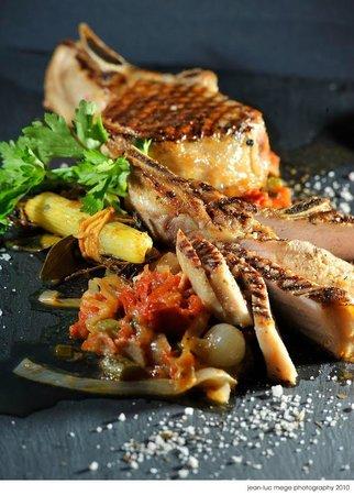 Bistro de Leon: Double Pork Chop