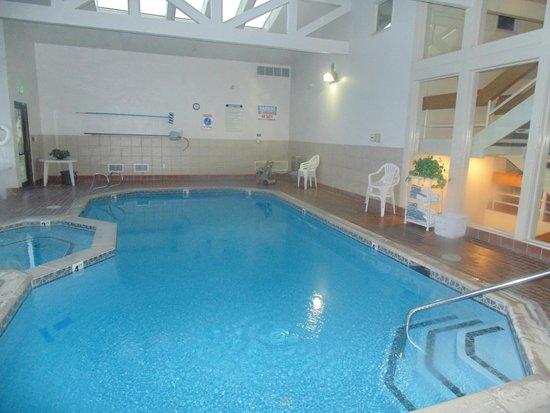 Indoor pool picture of motel 6 richfield richfield for Indoor pools in utah