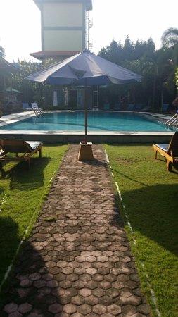 Masa Inn: Swimming pool