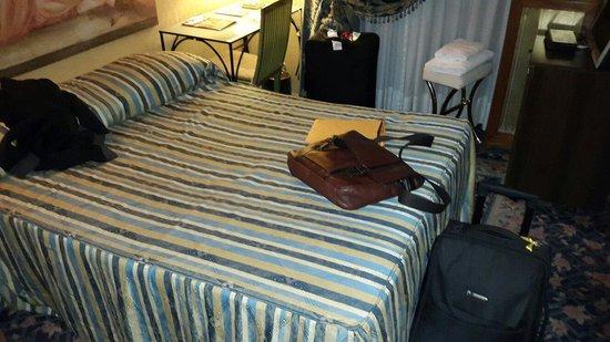 Celio Hotel: Bed size