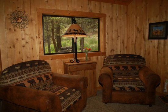 Elk Mountain Ranch: Spruce living room