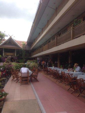 Lai-Thai Guest House: Entree