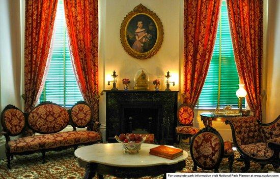 Natchez National Historical Park: Parlor of Melrose Mansion