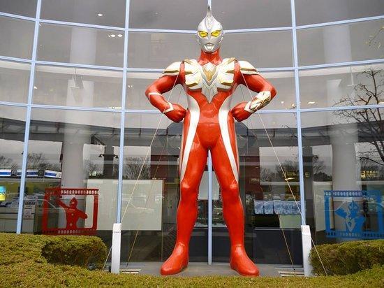 Sukagawa, Japan: ウルトラマンマックス立像