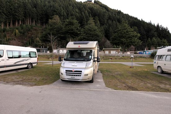 Queenstown Lakeview Holiday Park: Motorhome parking