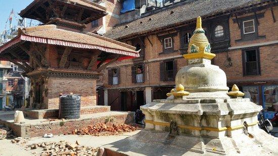 Kathmandu Contemporary Arts Centre: Entry