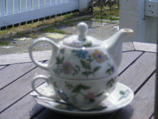 The Courthouse Cafe: Lovely teapot and matching cup set