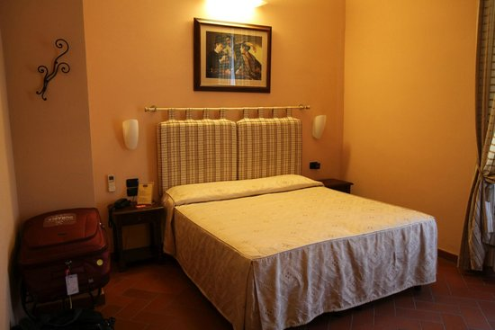 Hotel Caravaggio : Superior room at front of hotel