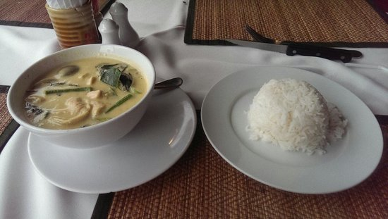 Asador: Green curry chicken