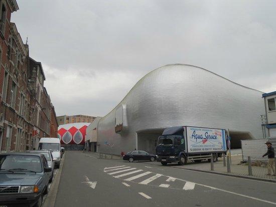 Médiacité Shopping Liège: ijsbaan in mediacite Luik