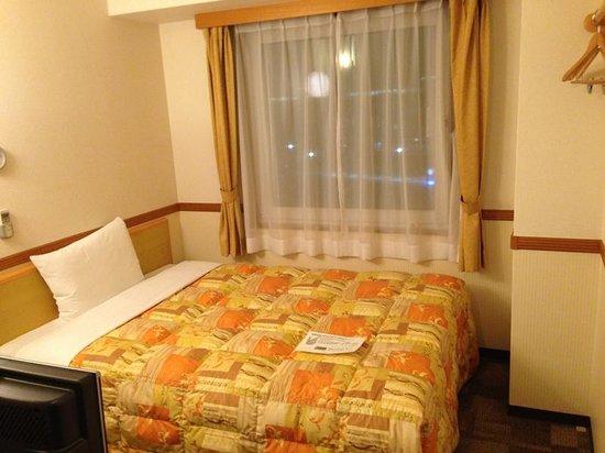 Toyoko Inn Shin-Shirakawa Ekimae: ベッド