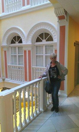 Hotel Inglaterra: Файе второго этажа
