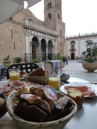 Hootel Duomo Monreale : petti déjeuner en terrasse !