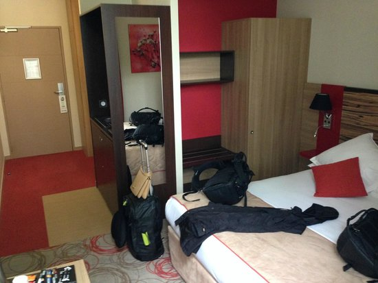Quality Suites Lyon Confluence : the room