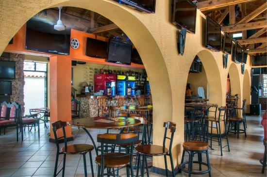 Kahama Hotel: Restaurant