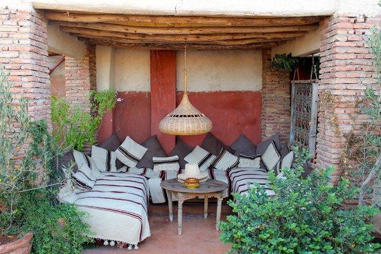 Riad les Inseparables: Espace détente sur la terrasse