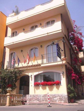 Hotel Sylesia: Keine hotel in villetta giardino !!!!