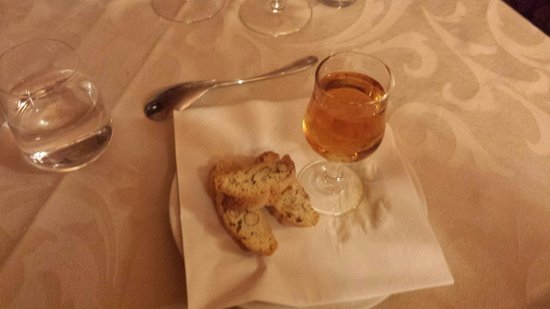 Borgo Casa al Vento: Cantucci e vin santo