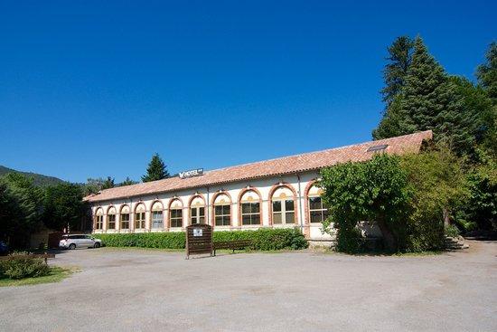 Hotel les bellugues saint jean du gard france voir for Prix des hotels en france