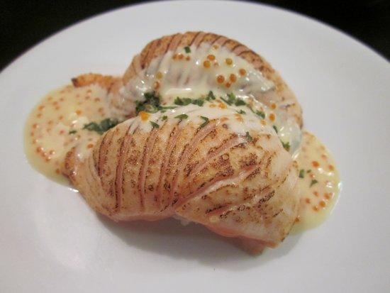 Yuu Sushi Train: semi-cooked salmon
