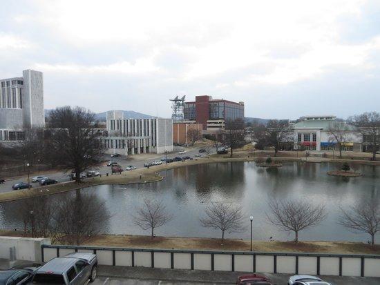Von Braun Center : センターとビッグスプリングパーク
