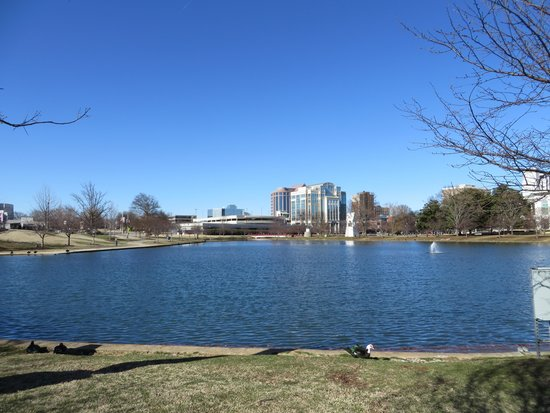 Big Spring Park: 広くて静かな憩いの場