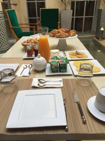 Riad Infinity Sea : Colazione ricca e deliziosa