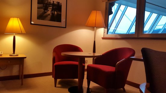 Room Vistors Area