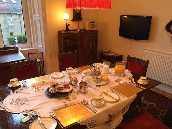 Glendevon Bed & Breakfast: ダイニングルーム
